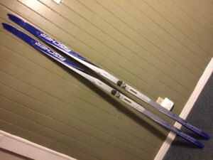 X-C, X-Country, Cross-Country skis, skis de fond
