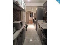 Large five bed house to let in tw13