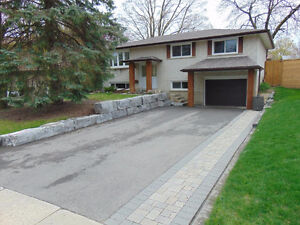 3 Bedroom home in the Prestigious Country Hill Area(Kitchener)