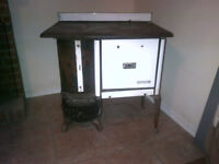 Very Antique Wood burning stove - Wingham Qu-oven No. 500