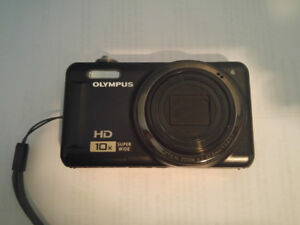 Olympus D-720 (VR-310) Digital Camera, (14MP, 3 inch LCD)