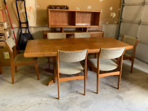 Teak Dining Table, 6 chairs, Buffet & Hutch