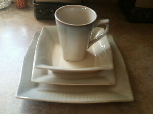 8 Place Dining Ware Set - 4 pieces each
