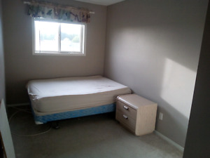 Room for rent in Spruce Grove by Tri
