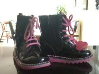 SIZE 27 GIRLS BLACK LEATHER KICKERS BOOTS