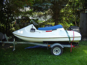 3 seater Outboard watercraft