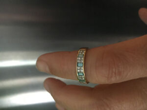 Beautiful diamond ring with invisible setting