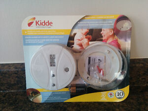 Smoke Detector with Safety Guide Light & Hush