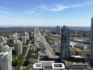 Luxurious Condo with beautiful unobstructed view for rent!