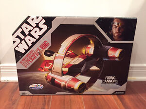 Star Wars Obi-Wan's Starfighter & Hyperspace Ring by Hasbro
