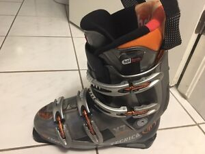 Tecnica size 27 (men's 9-10) ski boot