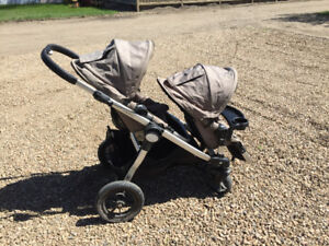 City Select Stroller. Snack tray included. Car seat adaptor
