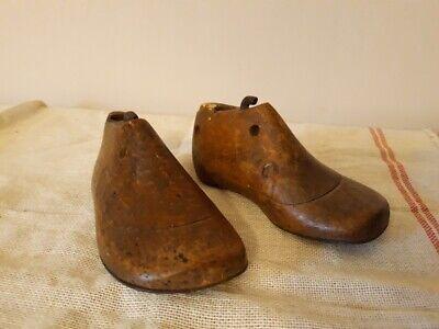Ancienne petite paire d'embauchoirs enfant - Vintage wooden child shoe forms