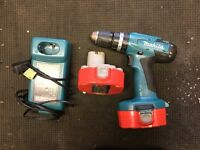 Makita combi drill, 2 batteries and charger