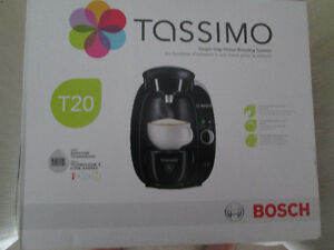 BRAND NEW IN BOX TASSIMO T20 BREWER W/WARRANTY