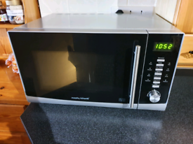 *awaiting collection* Microwave - Free - 900w - morphy richards