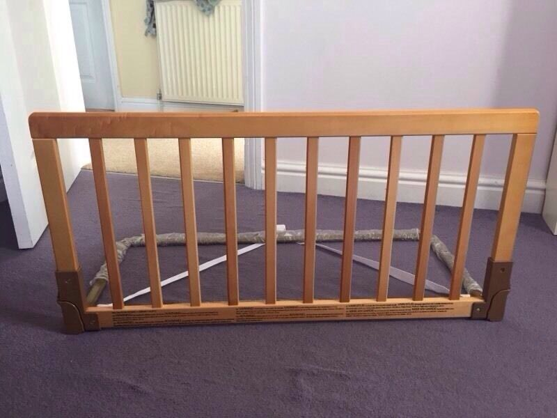 Baby Dan Wooden Bed Guard Rail Slips Under Mattress