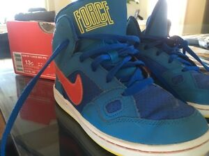 Nike force high top shoes boys 13