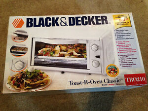 Black and Decker Toaster Oven (Brand New in Box)