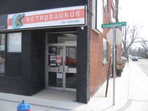 Retrosaurus Wants Your Vintage Toys, Video Games & Comic Books