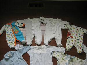 5 Pyjamas en très bon état 1 mois et 0-3 mois Saint-Hyacinthe Québec image 3