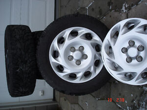 Saturn L series hubcaps