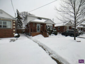 Beautiful 3 Bedroom Family Home - East Mountain