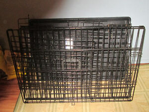METAL DOG CAGE WITH BOTTOM TRAY