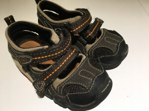 Baby boy shoes, sizes 4 - 5.5