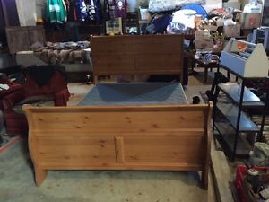 Queen size bed mattress and boxspring  Peterborough Peterborough Area image 2