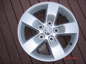 "2014 Dodge Ram 1500 Alum.OEM 17""x 5 bolt x 5 spoke rims no tires"
