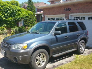 2005 Ford Escape SUV, certified!