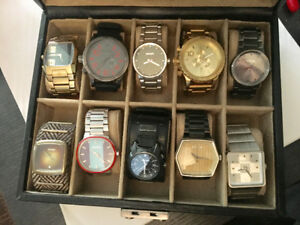 10 Nixon watches in fossil case