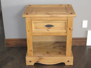 Santa Fe Style Solid Pine End Table For Living Room/Bedroom