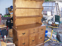 2 Piece Maple Buffet and Hutch