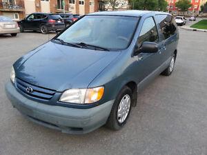 2001 Toyota Sienna Van