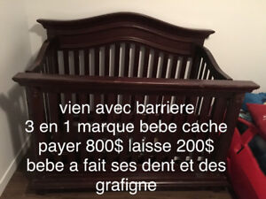 demenagement tres belle bassinette 3 en 1 vien qvec la barriere