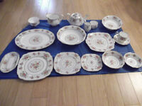 Royal Albert Petit Point 12 Piece Set