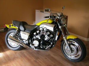 Moto Vmax 1200CC CONDITION SHOWROOM