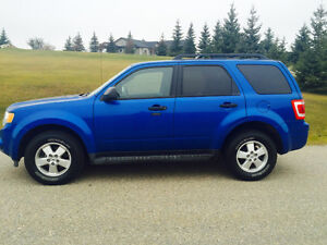 2011 Ford Escape 4cyl XLT 4x4 Low KM! SUV, Crossover