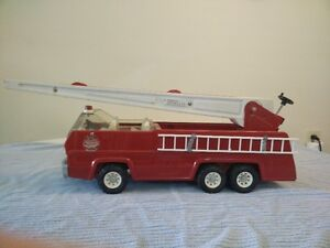 REDUCED PRICE Vintage Tonka fire truck with extendable ladder