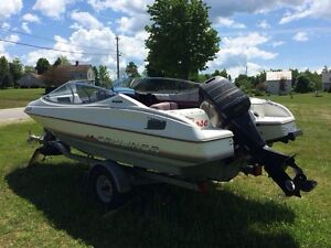 LOOKING FOR- outboard motor style boat WITHOUT motor