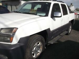 Chevrolet Avalanche 1500 4dr  4WD 2002