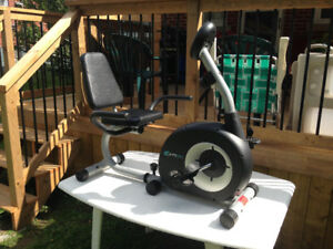 Working PT Fitness Personal Trainer Exercise Machine
