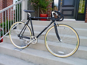 329$ Fixie / single speed  neuf cadre 52/54 cm  fixed gear bike