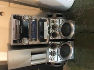 JVC with 3 disc changer, cassette+ speakers