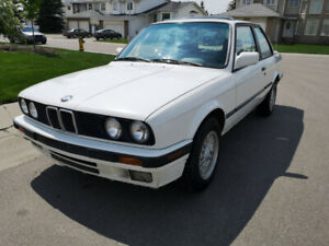 1991 BMW E30 318is coupe