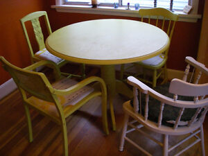Painted Pine Kitchen Table with 4 Individual Chairs