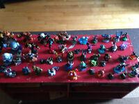 ps3 avec 40 skylander et accesoir plus 12 jeux et deux manette