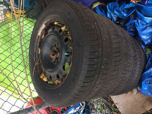 4 Michelin winter tires with rims 215/60R16in Gatineau Ottawa / Gatineau Area image 3